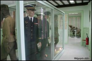 Musée des Andelys, les uniformes 01